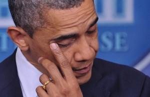 サンディ・フック小学校事件の追悼演説を行う大統領
